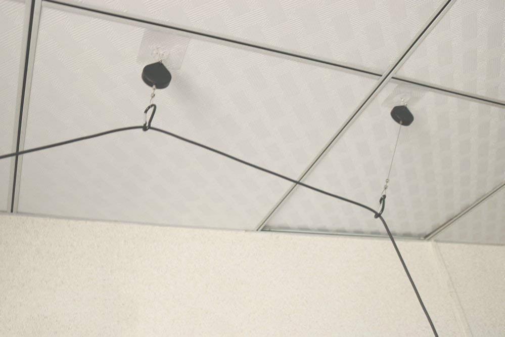 Потолочные крепления кабеля очков виртуальной реальности